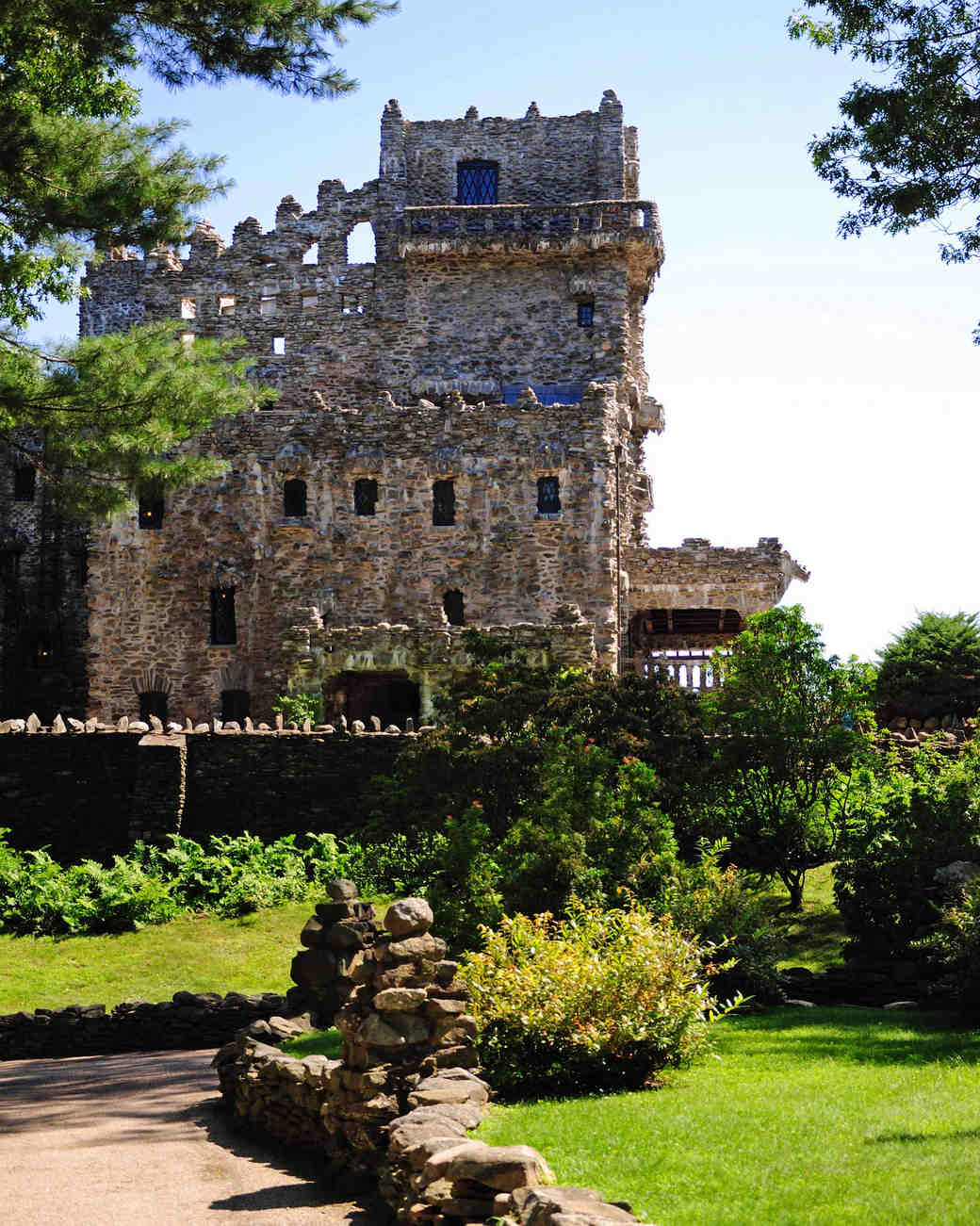 18 fairy tale castle wedding venues in america martha stewart weddings junglespirit Gallery