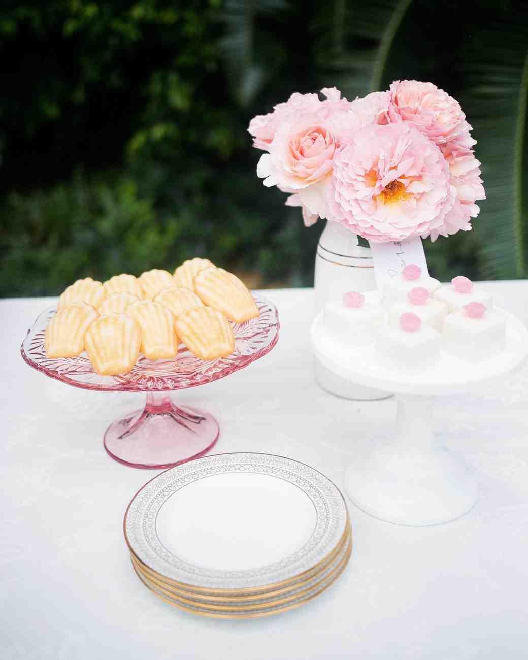 fashionable-hostess-bridal-shower-desserts-0716.jpg