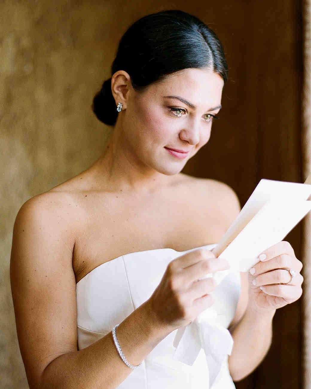 jamie jon wedding tearful bride reading note