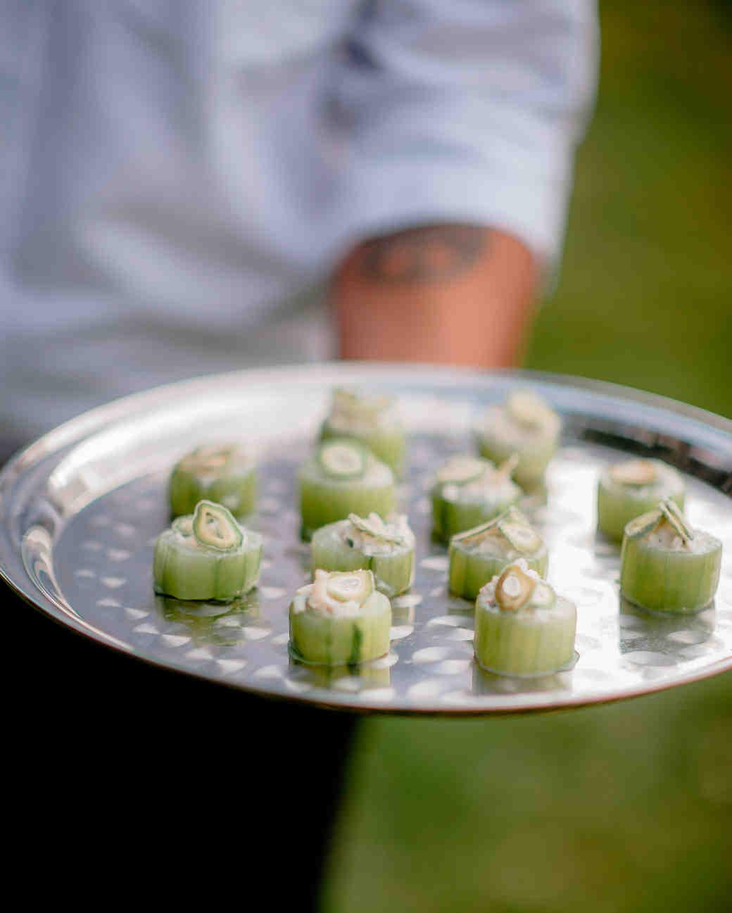 melany-drew-wedding-appetizers-086-s112184-0915.jpg