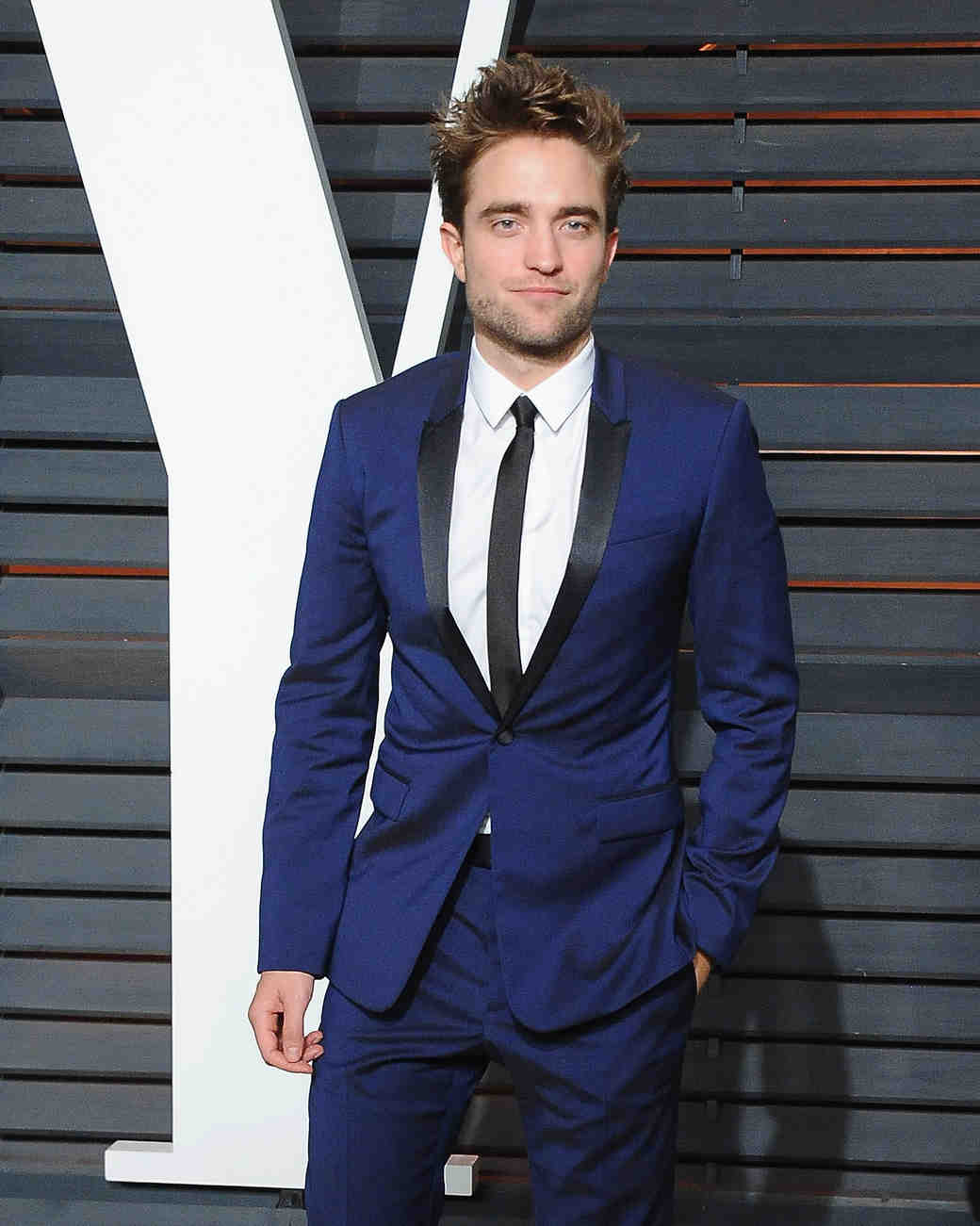 robert-pattinson-fka-twigs-dior-homme-suit-0415.jpg