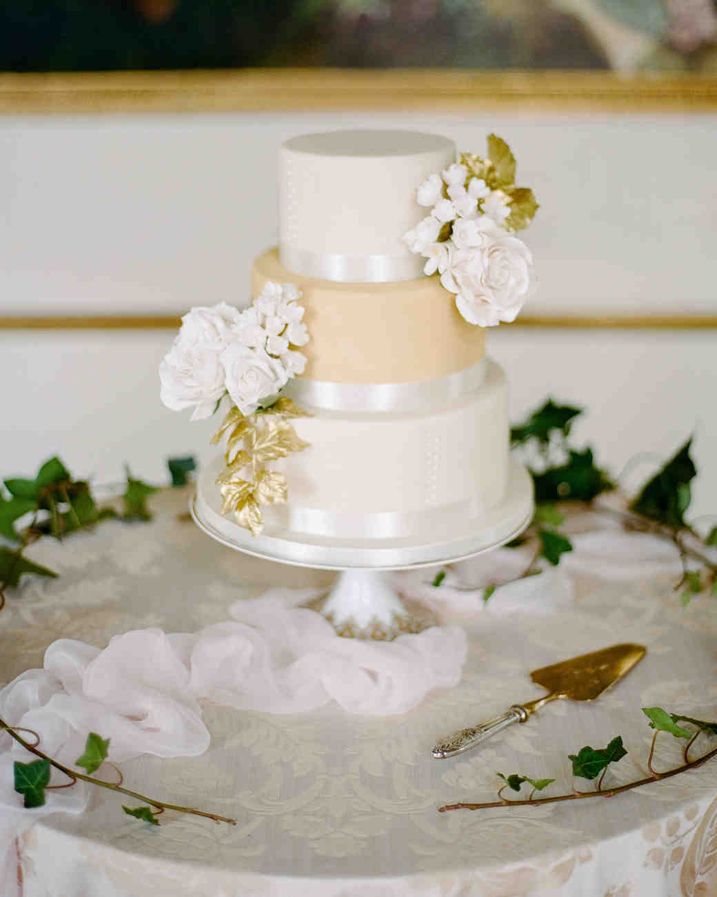 sugar flowers wedding cake wedding cakes with sugar flowers that look incredibly real 20576
