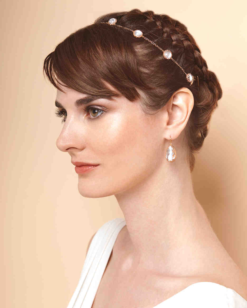 4 ways to wear a short hairstyle on your wedding day | martha