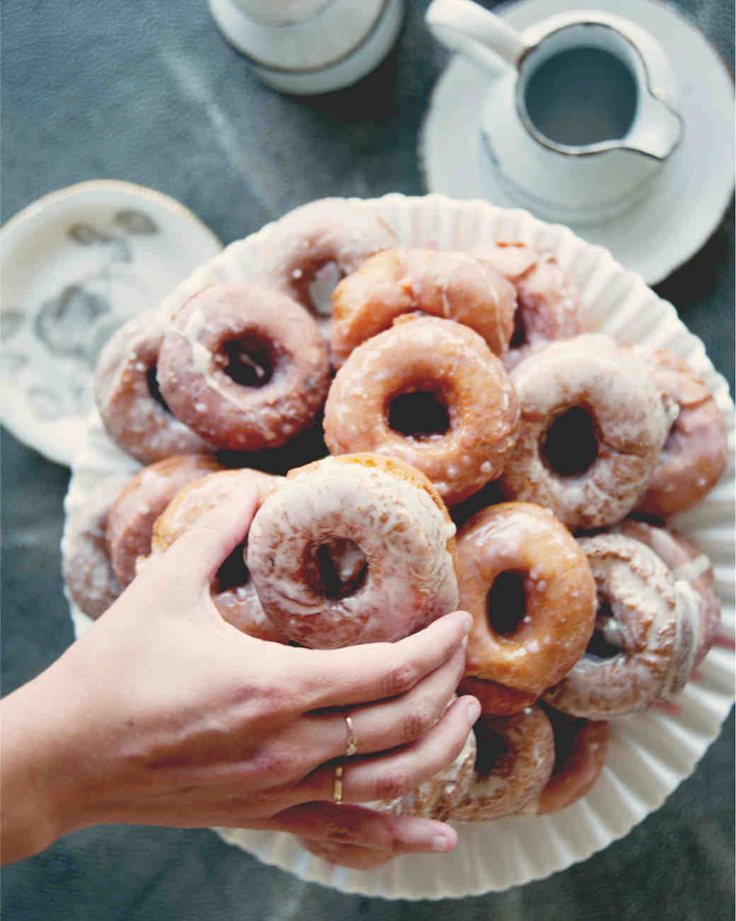 claire-thomas-bridal-shower-tea-grab-donuts-0814.jpg