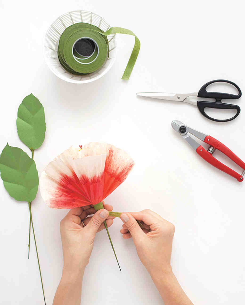 How To Dip Dye Paper Flowers With Bleach Martha Stewart Weddings