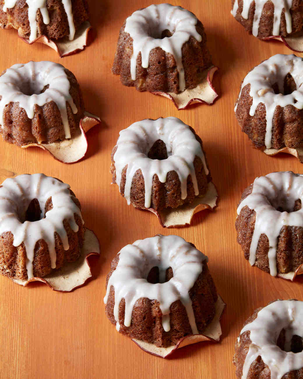 fall-dessert-apple-bundt-cakes-4299-hero-d113106.jpg