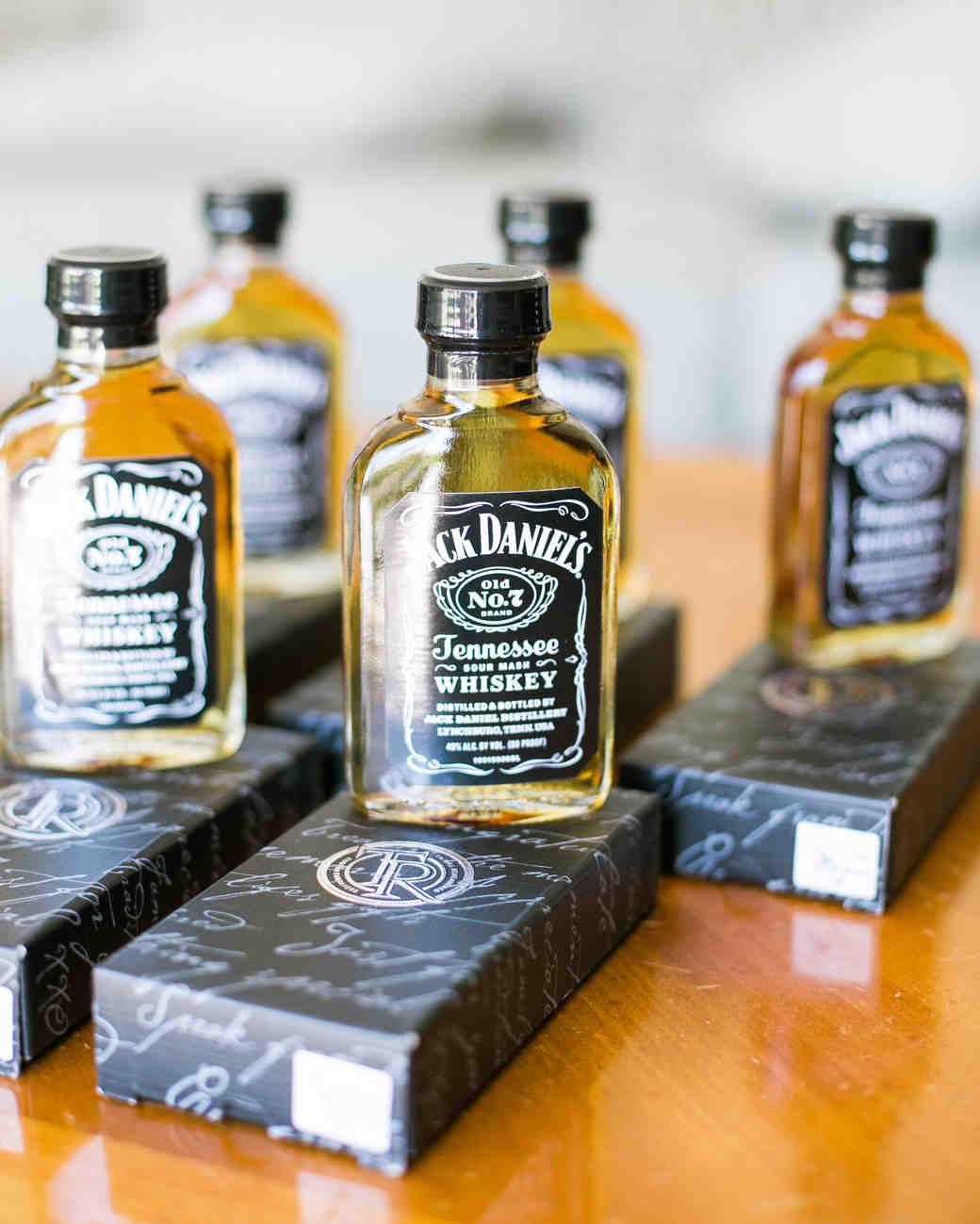 miniature liquor bottles wedding favors - Wedding Decor Ideas
