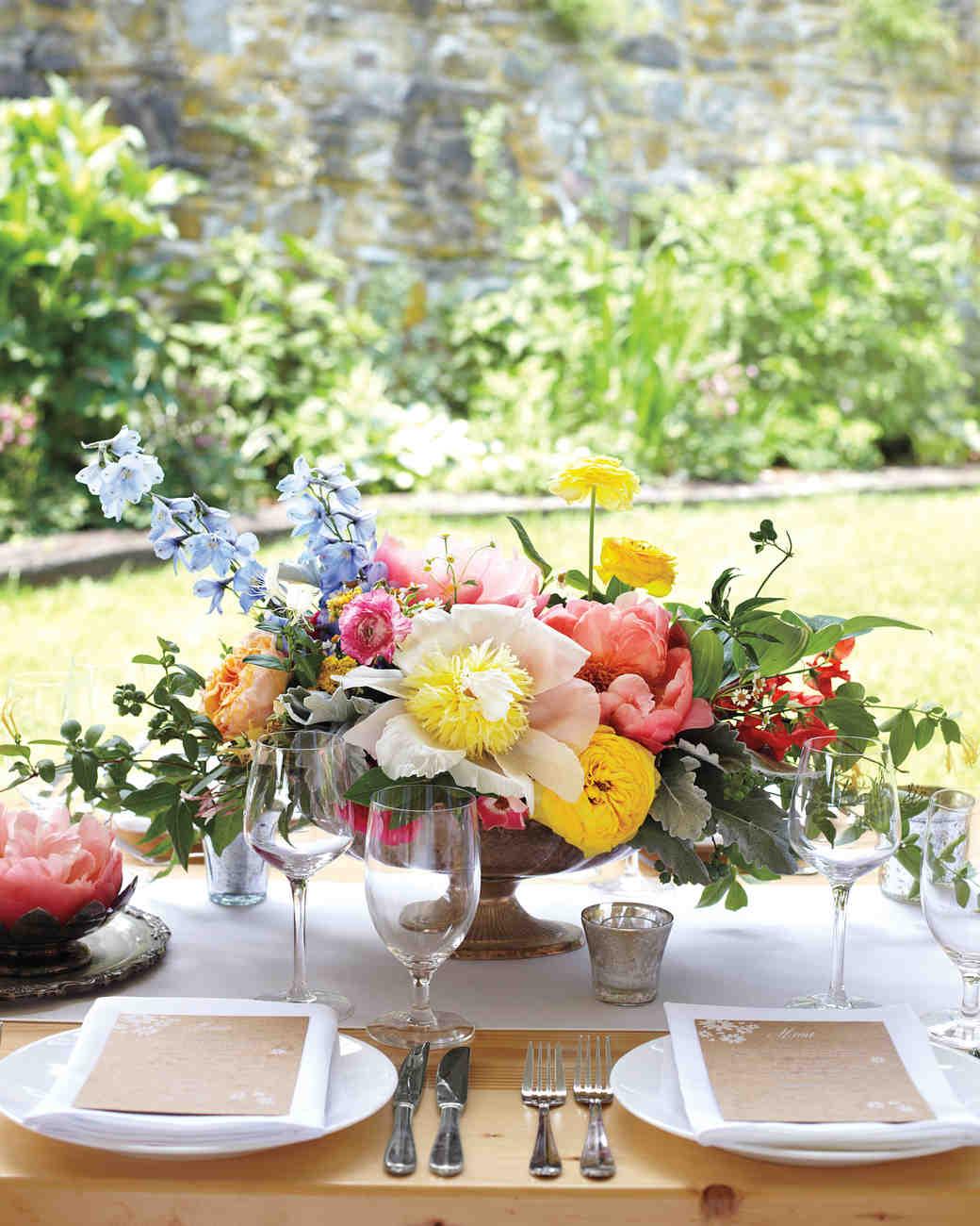 40 of our favorite floral wedding centerpieces martha stewart weddings rh marthastewartweddings com wedding table centerpieces no flowers wedding table centerpieces no flowers