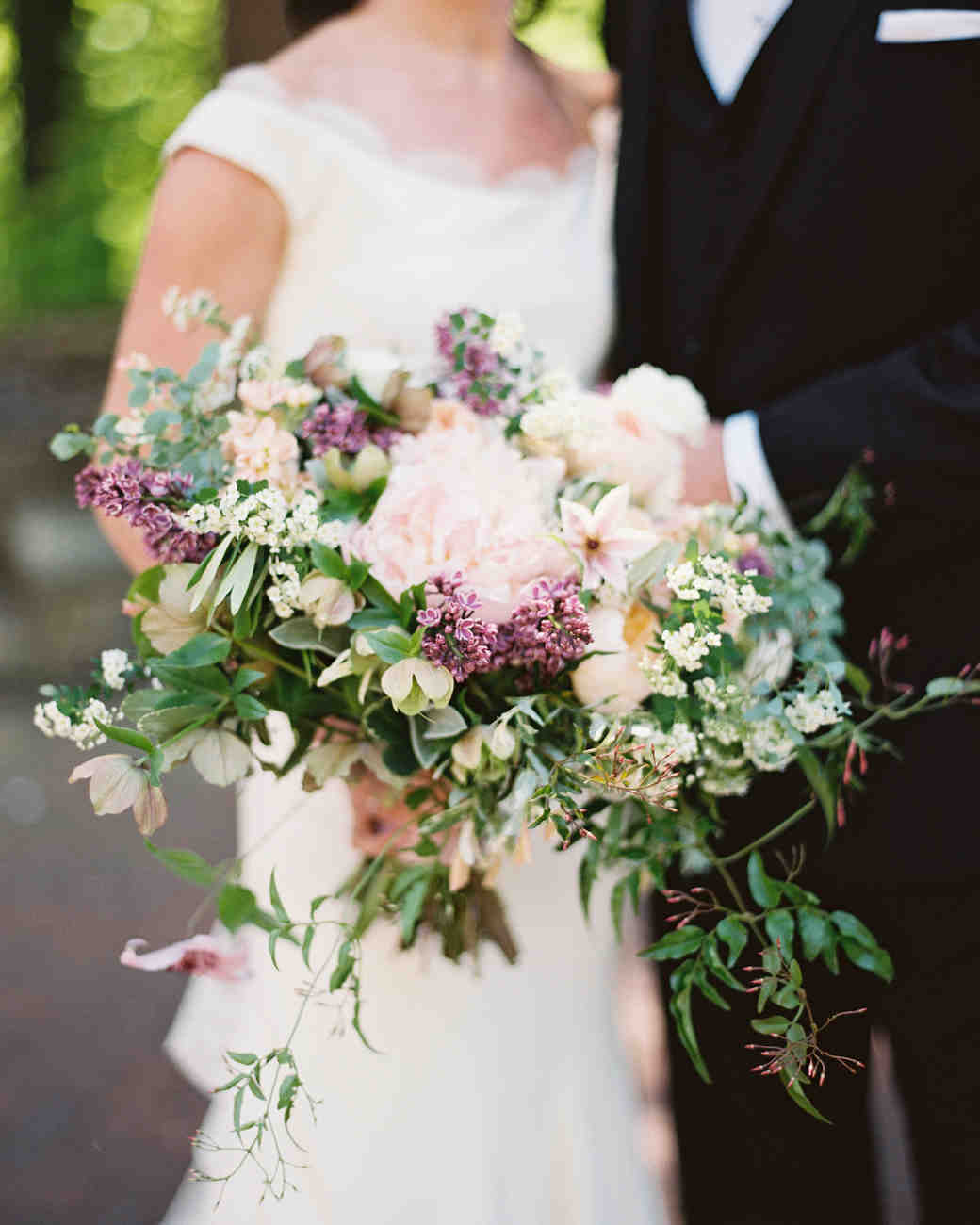 Fresh Fragrant Lilac Wedding Bouquets Martha Stewart Weddings