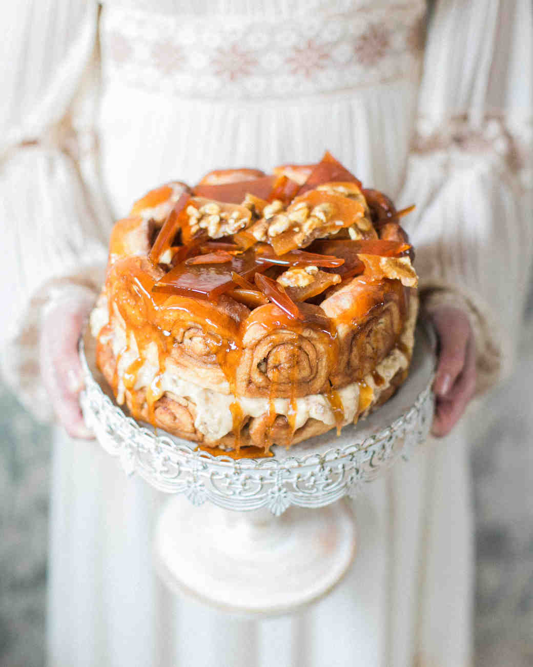 cinnamon bun wedding cake