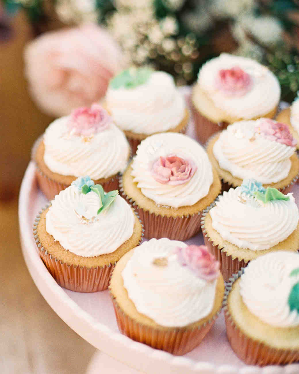 cupcakes with sugar flowers