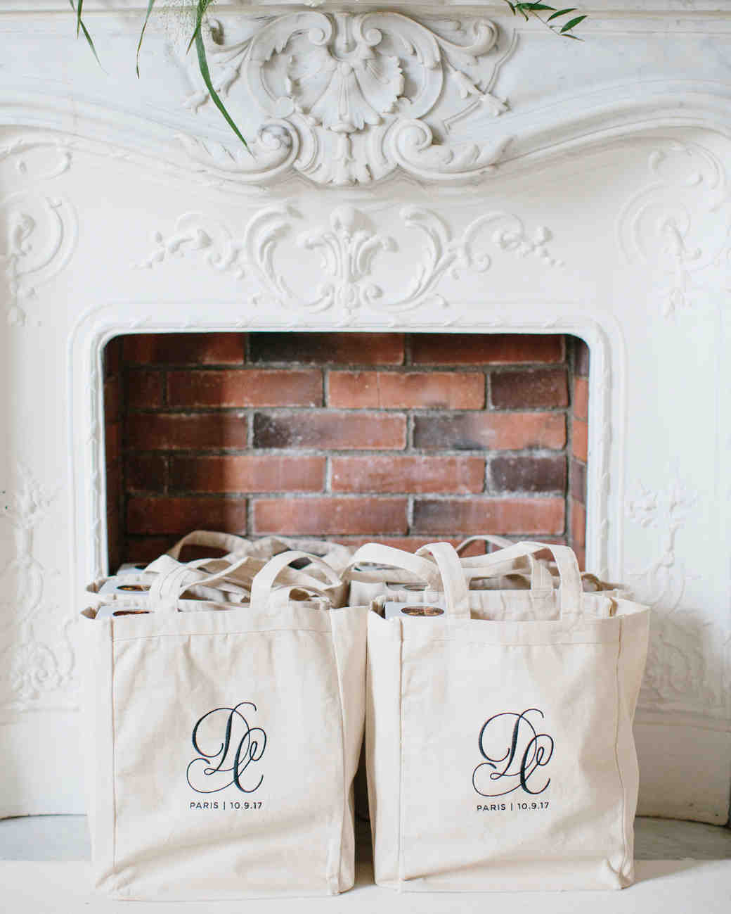 29 Destination Wedding Favors Inspired by Travel | Martha Stewart ...