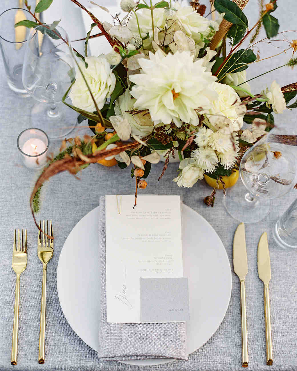 linda robert wedding place setting