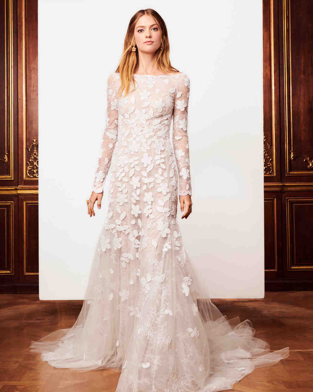 Oscar de la renta fall 2018 wedding dress collection for Where to buy oscar de la renta wedding dress