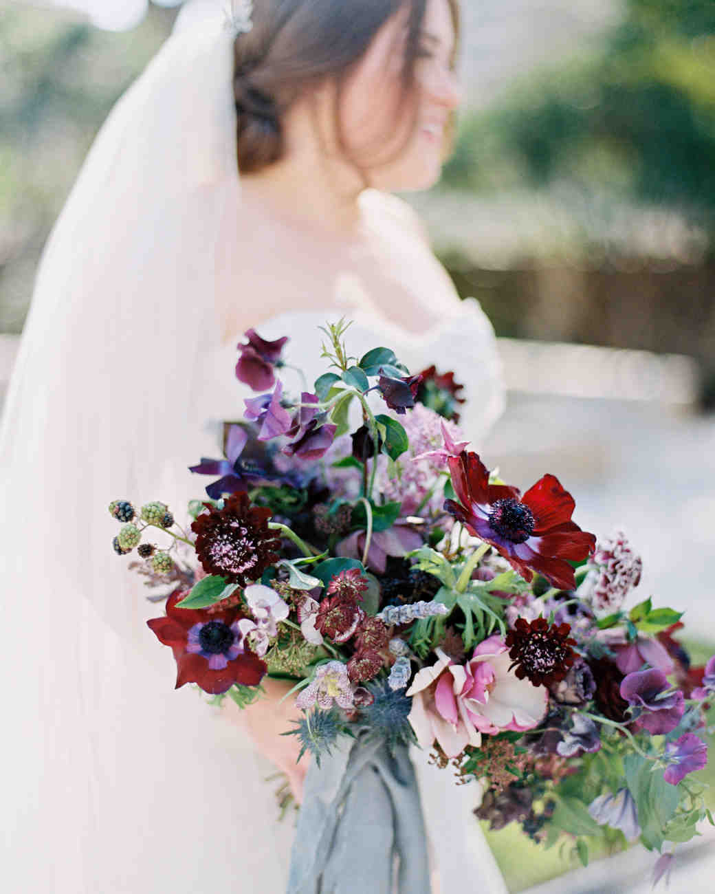 Wedding Flowers: 52 Gorgeous Winter Wedding Bouquets
