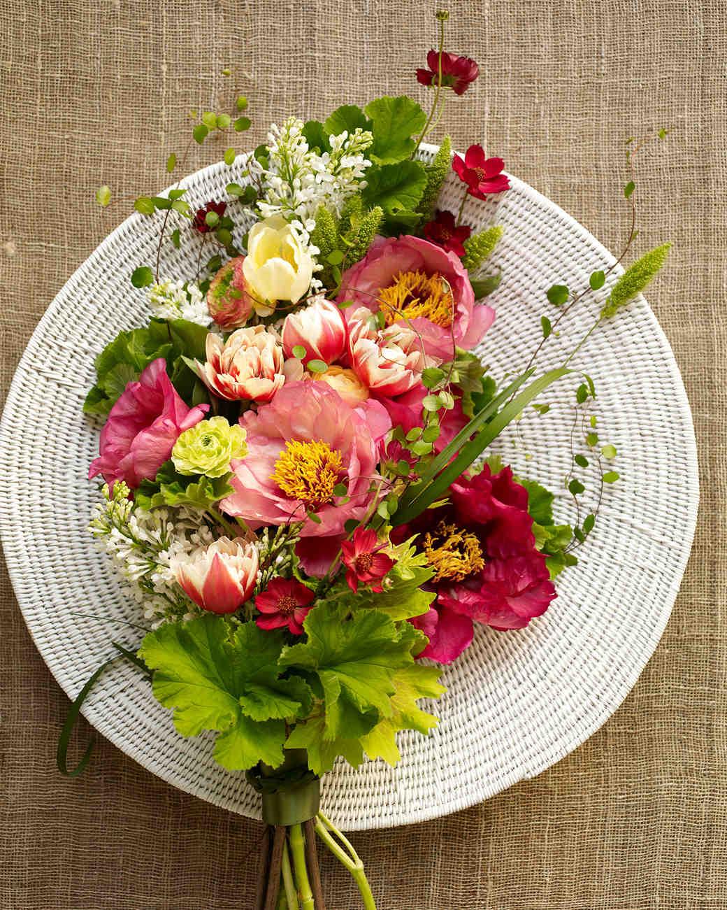 spring-flower-expert-green-vase-bouquet-sp11-0315.jpg