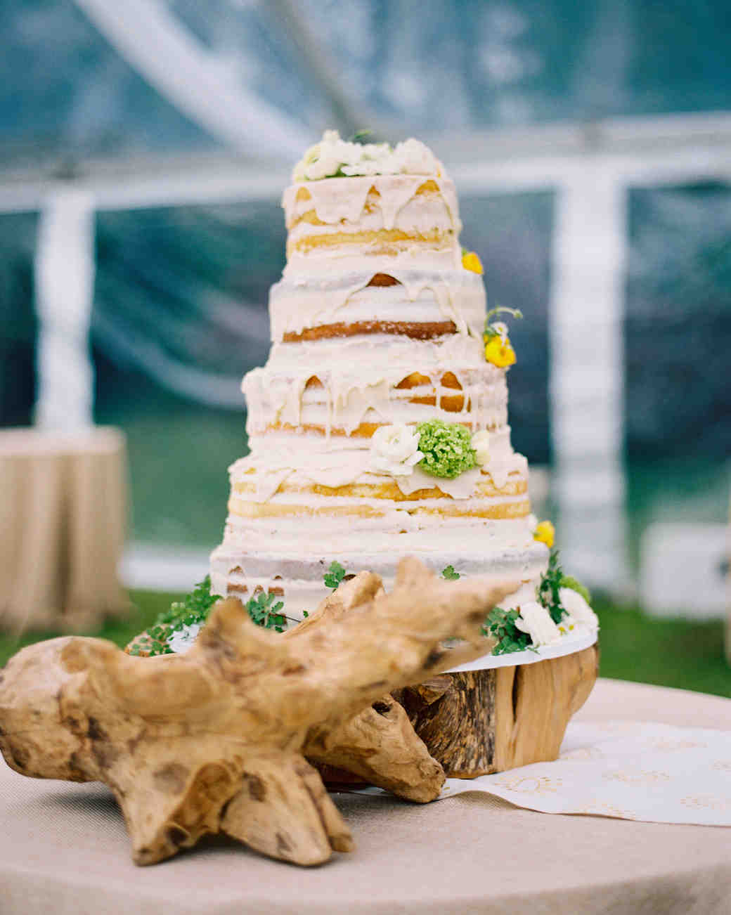 dripping wedding cake