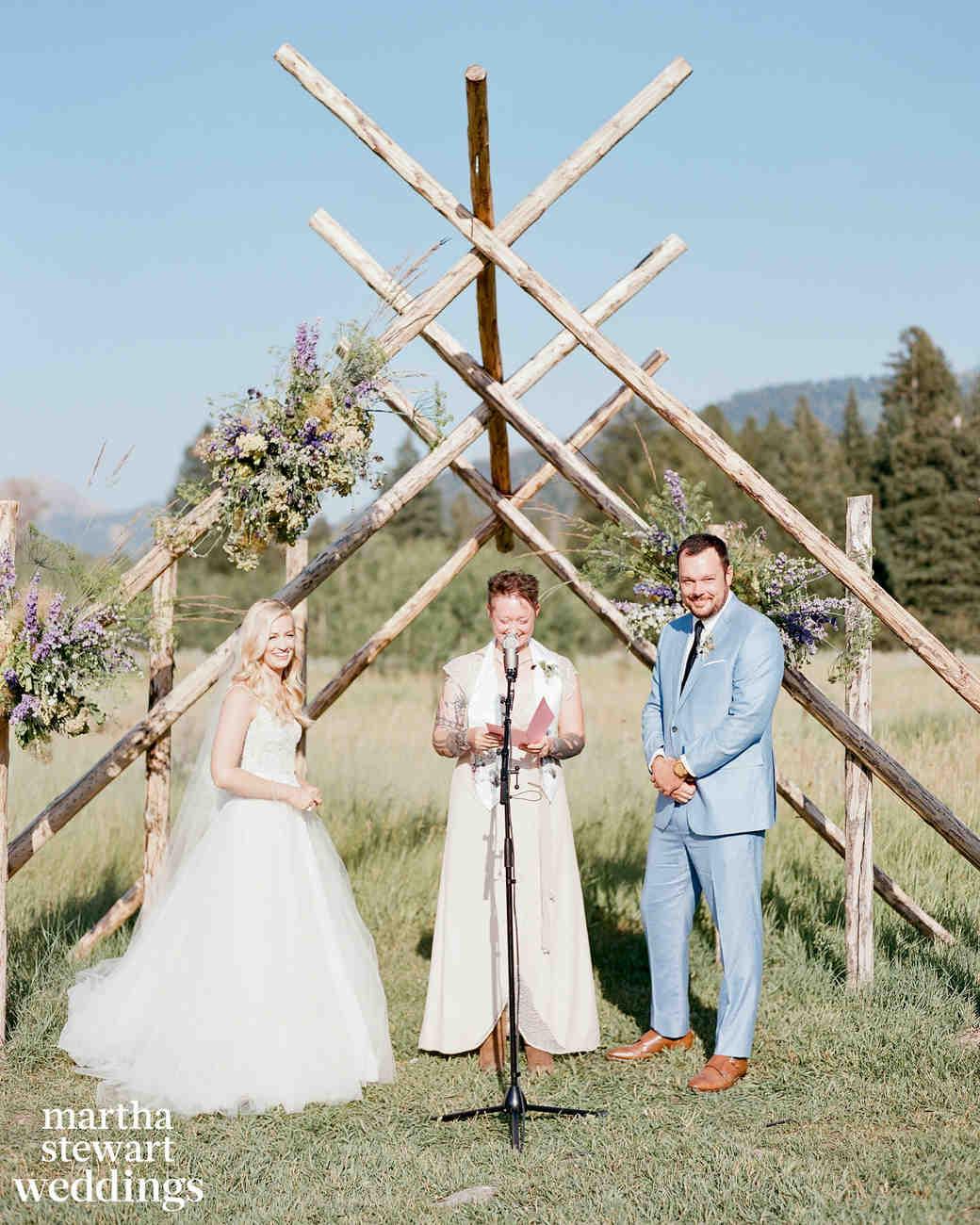 04ec0063e7e5 Beth Behrs and Michael Gladis s Beautiful Wedding Photos