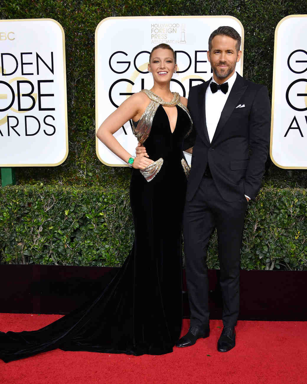Blake Lively and Ryan Reynolds Golden Globes 2017
