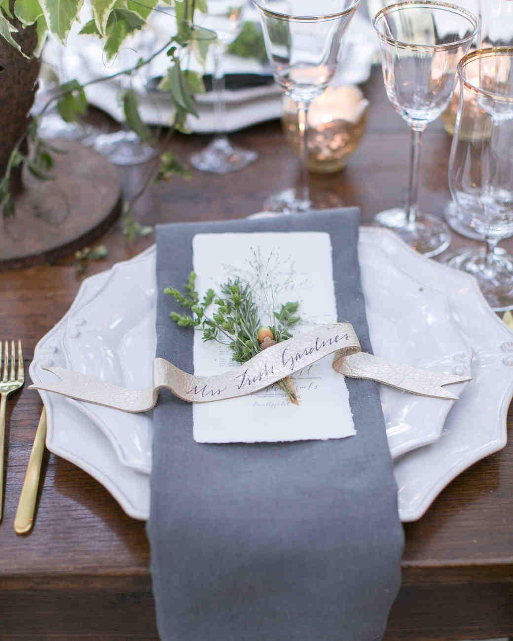 briana-adam-wedding-placesetting-0966-s112471-1215.jpg