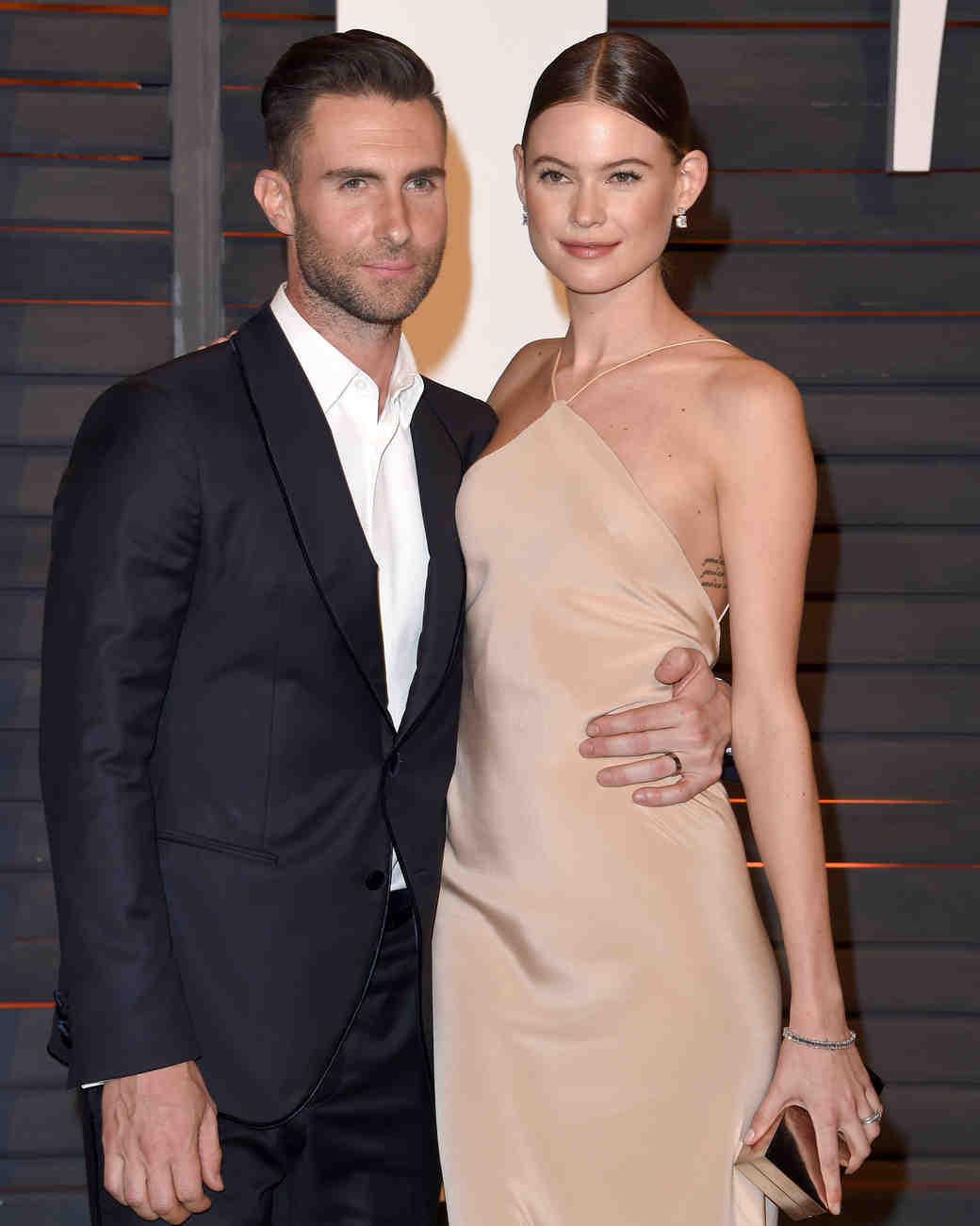 celebrity-couples-adam-levine-behati-prinsloo-0116.jpg