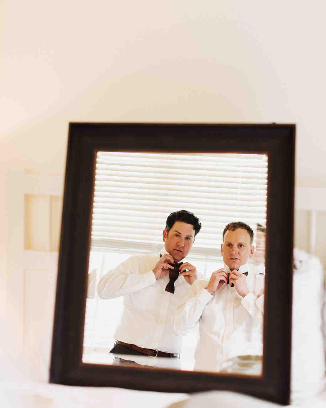 craig-andrew-wedding-gettingready-031-s111833-0215.jpg
