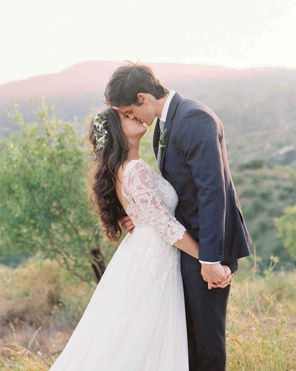 daphne jack wedding spain couple kissing