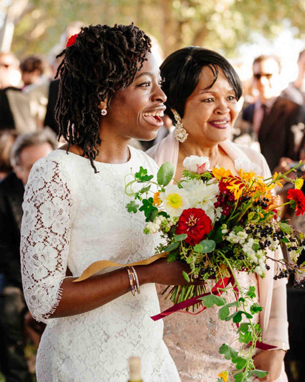 erica-jordy-wedding-processional-2602-s111971-0715.jpg