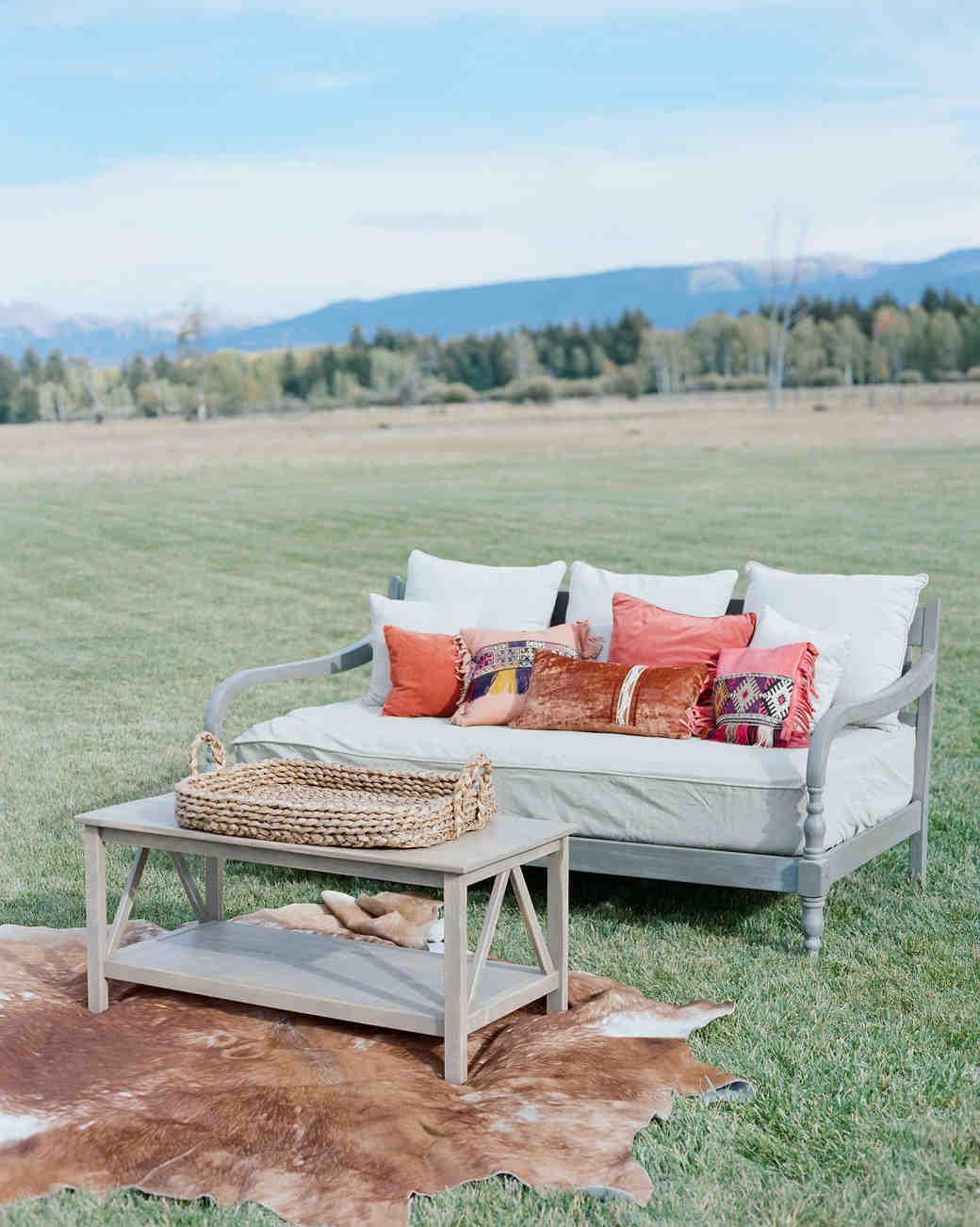 Wedding Lounge Ideas Your Guests Can Cozy Up To | Martha Stewart Weddings