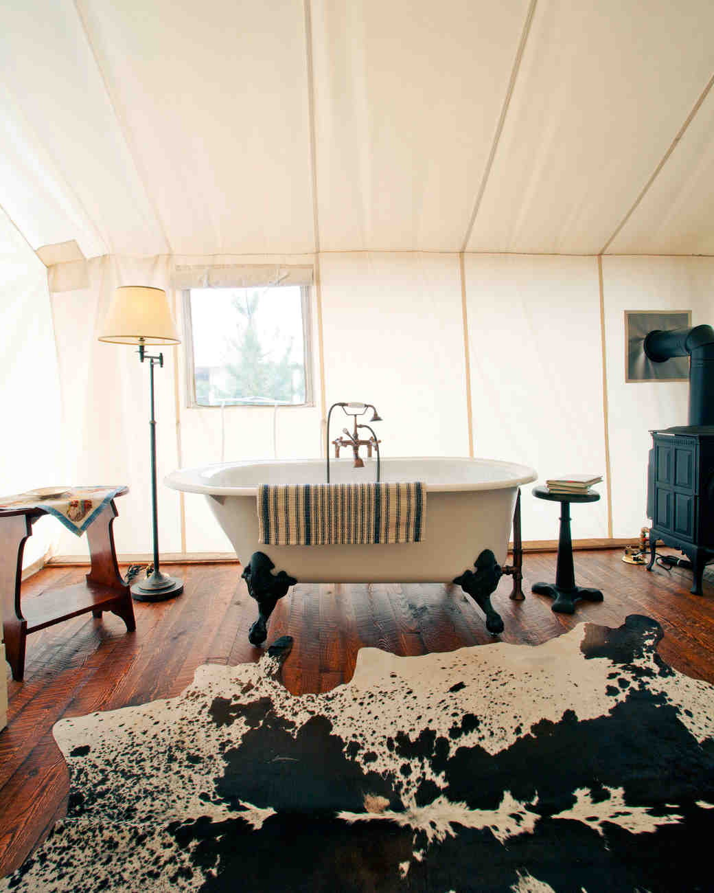 glamping-honeymoon-resorts-ranch-at-rock-creek-0515.jpg