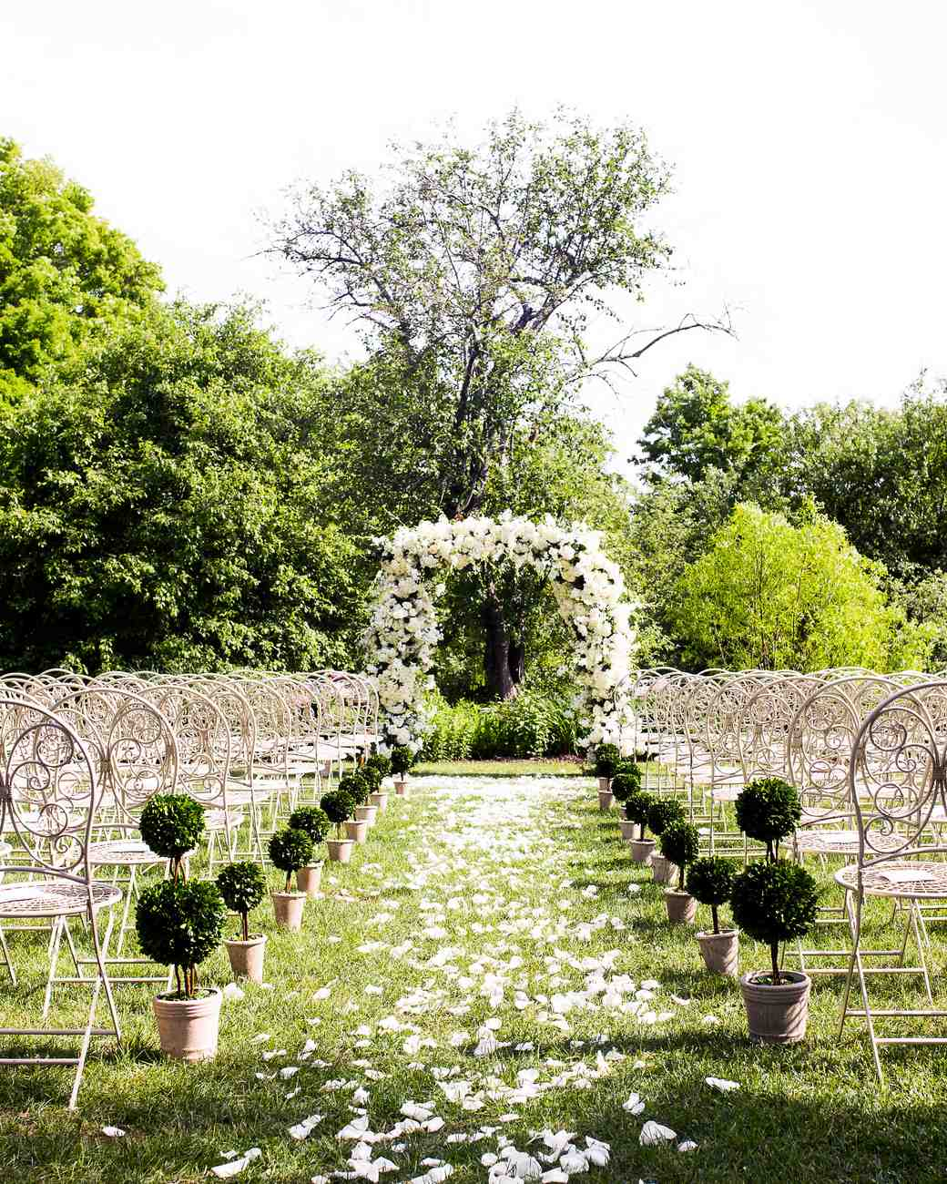 Cute Outdoor Wedding Ideas: 59 Wedding Arches That Will Instantly Upgrade Your
