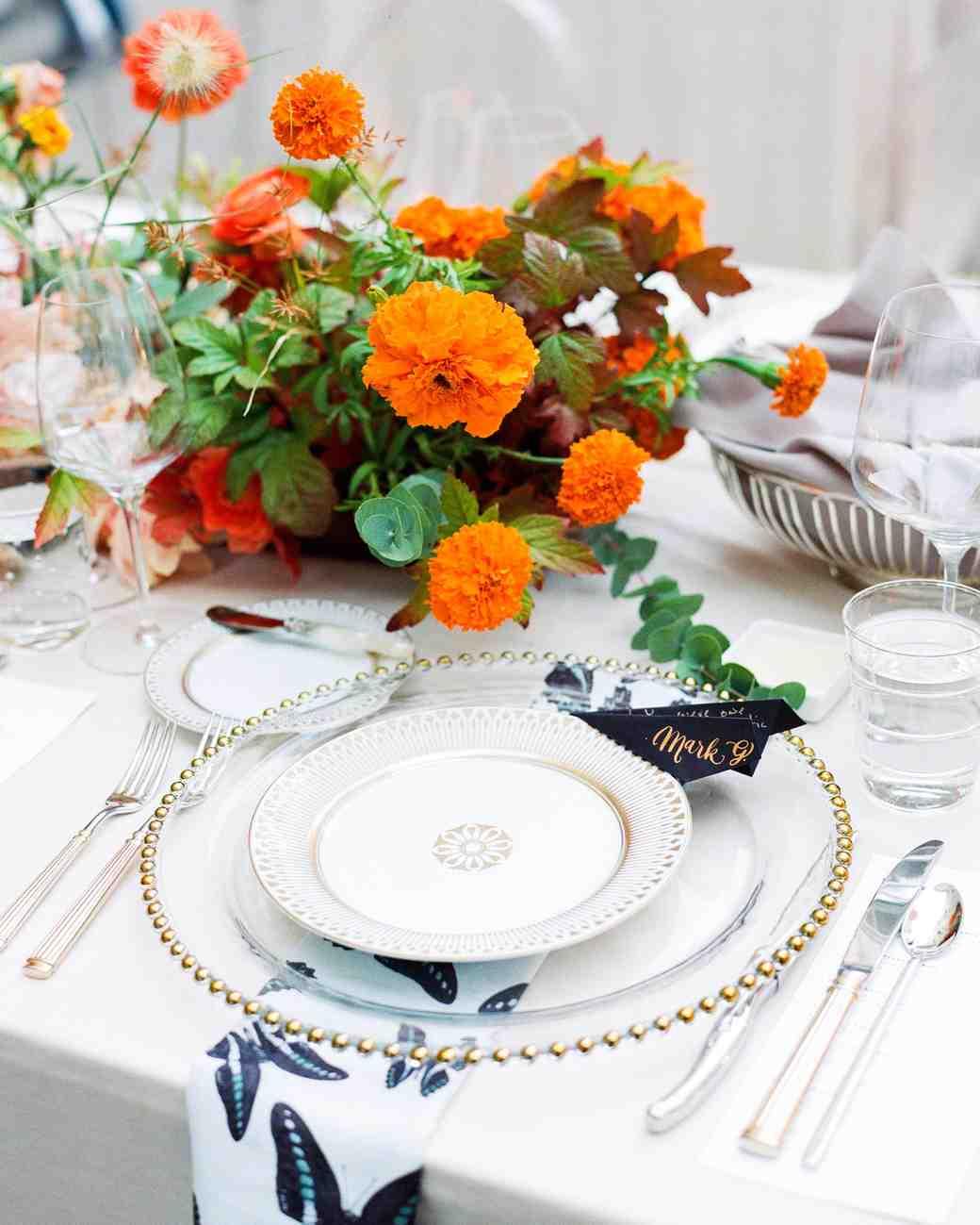 natalie louis wedding place setting