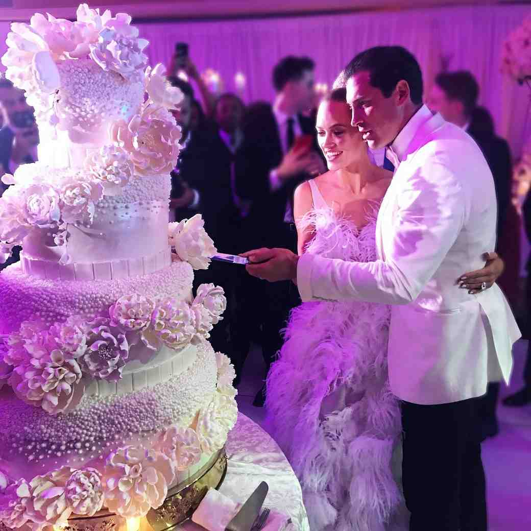 Peta Murgatroyd and Maks Chmerkovskiy wedding cake