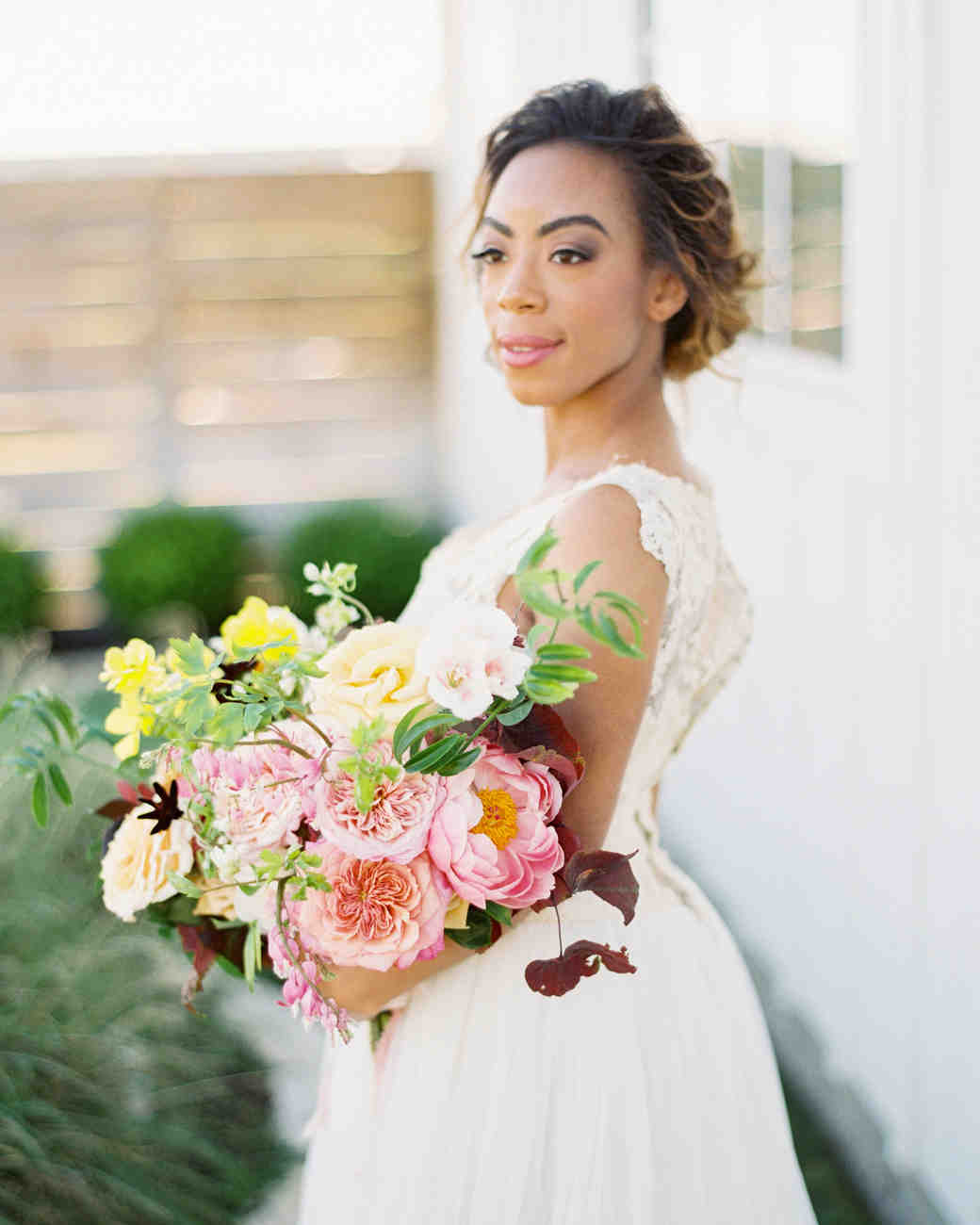 51 Romantic Wedding Hairstyles: 55 Simple Wedding Hairstyles That Prove Less Is More