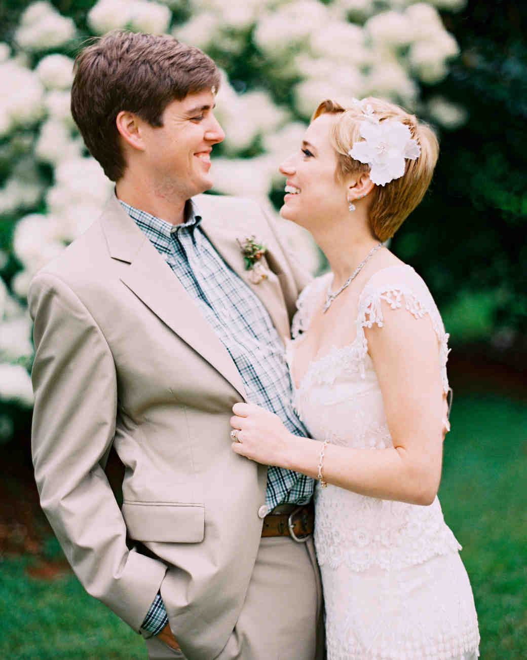 Chic Wedding Hairstyles For Short Hair Martha Stewart Weddings