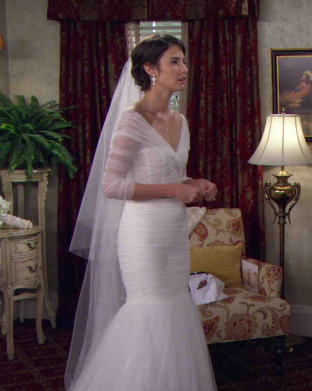 tv-wedding-dresses-how-i-met-your-mother-robin-1115.jpg
