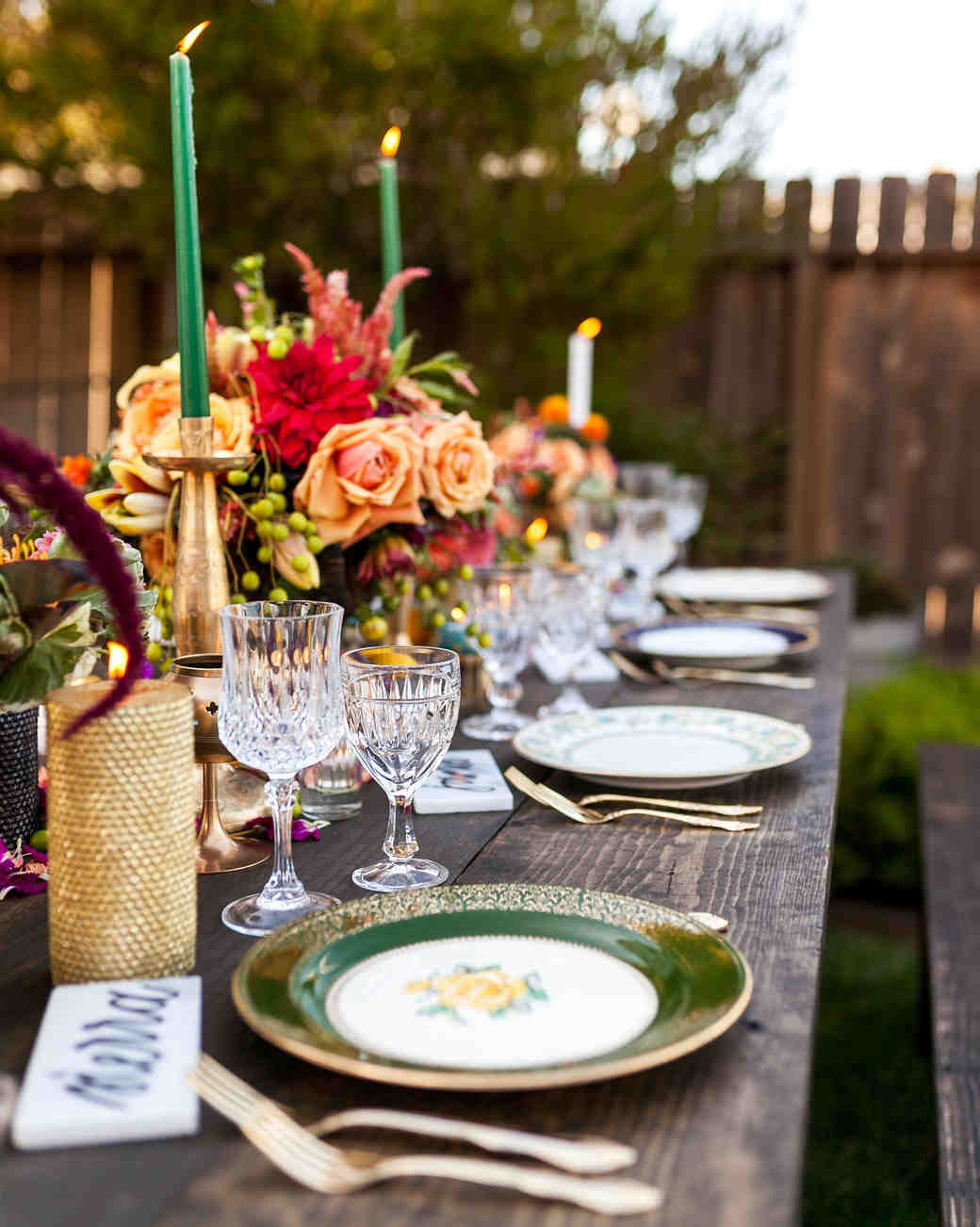 table scape green gold wedding plates