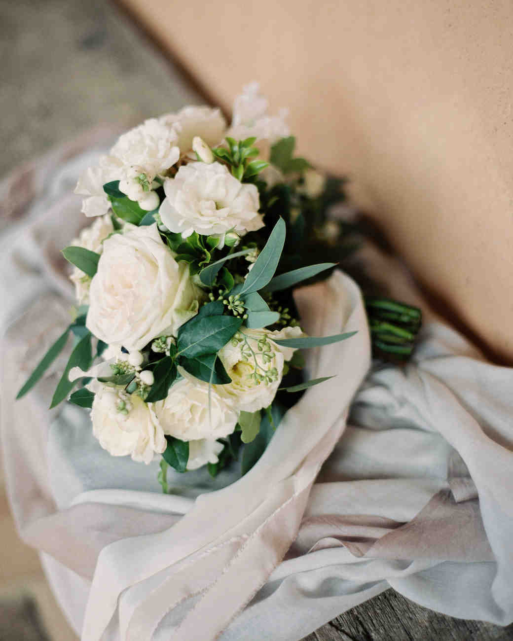 christine-dagan-wedding-bouquet-4282_03-s113011-0616.jpg