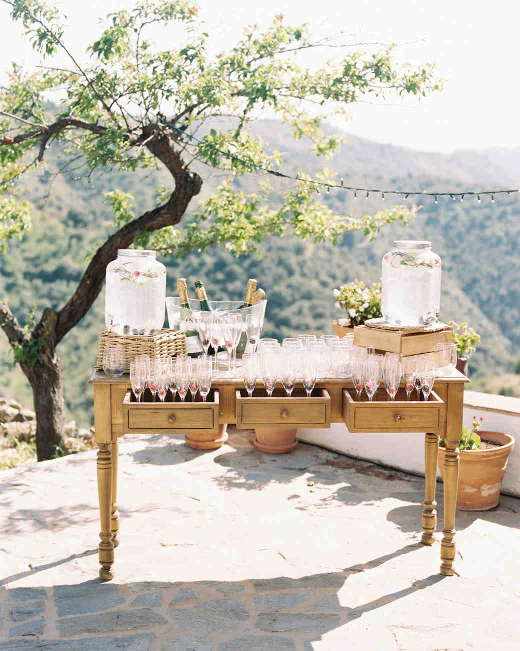 daphne jack wedding spain drink station