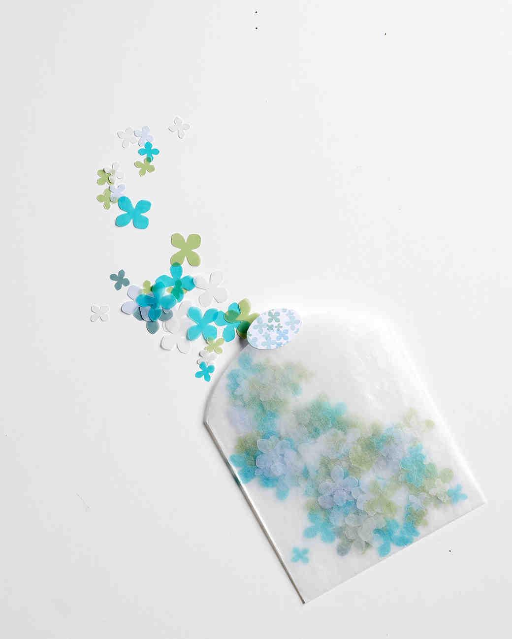 diy-beach-wedding-ideas-sea-glass-confetti-su09-0615.jpg