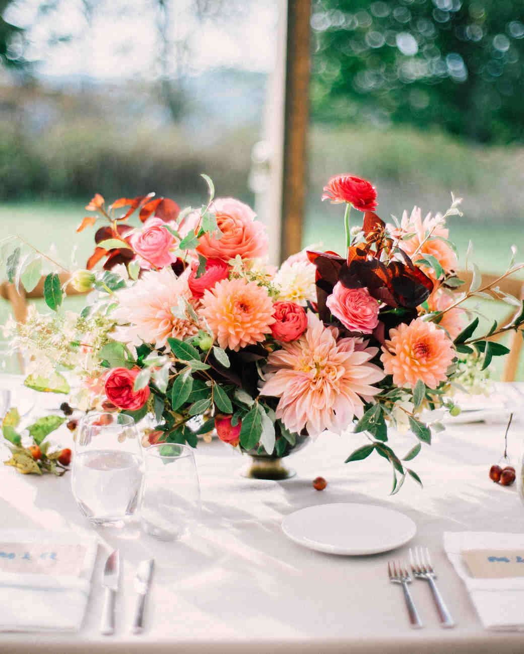 Dahlia Centerpiece for Fall