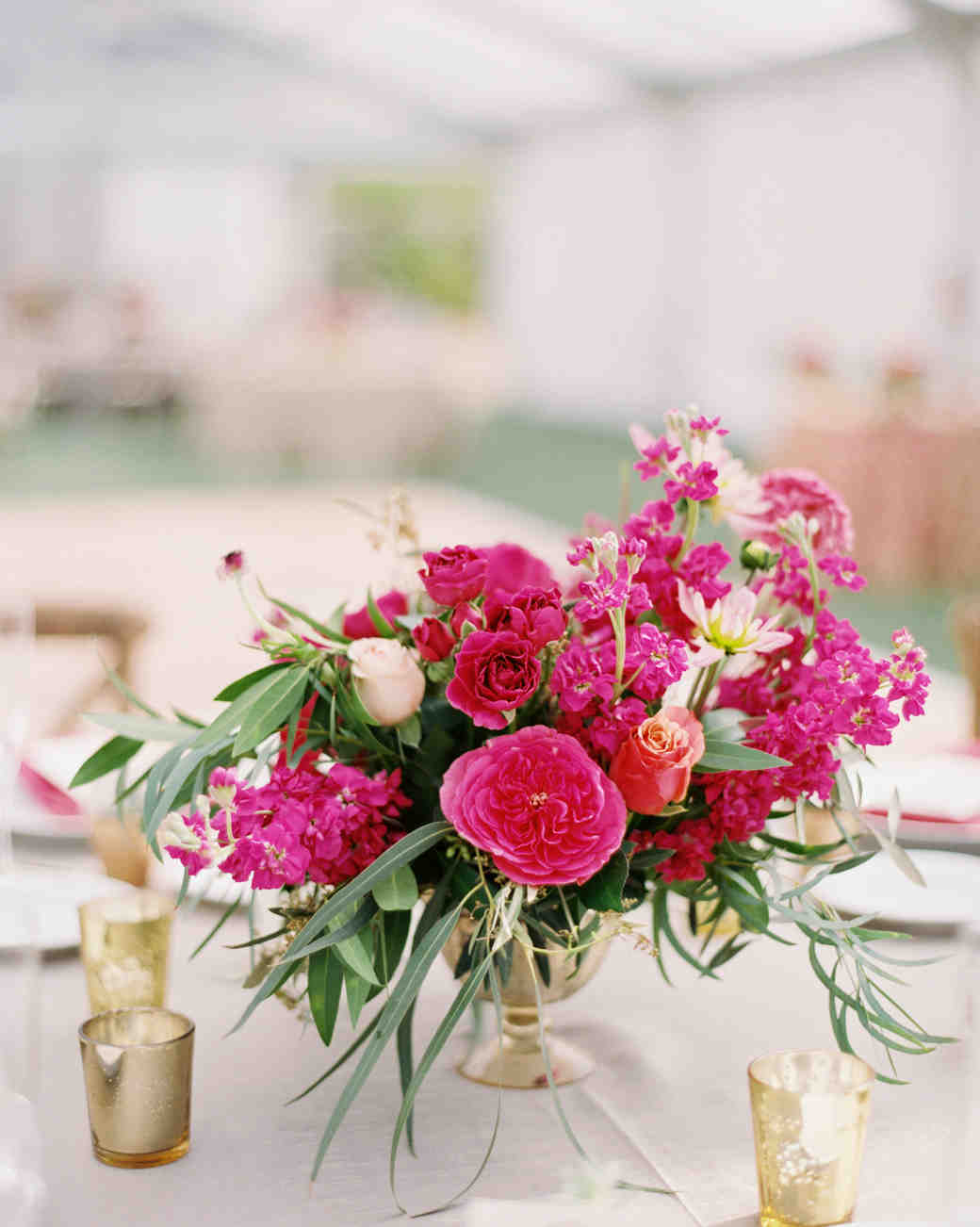 wedding flower centerpieces this backyard wedding was glammed up with gilded details 9484