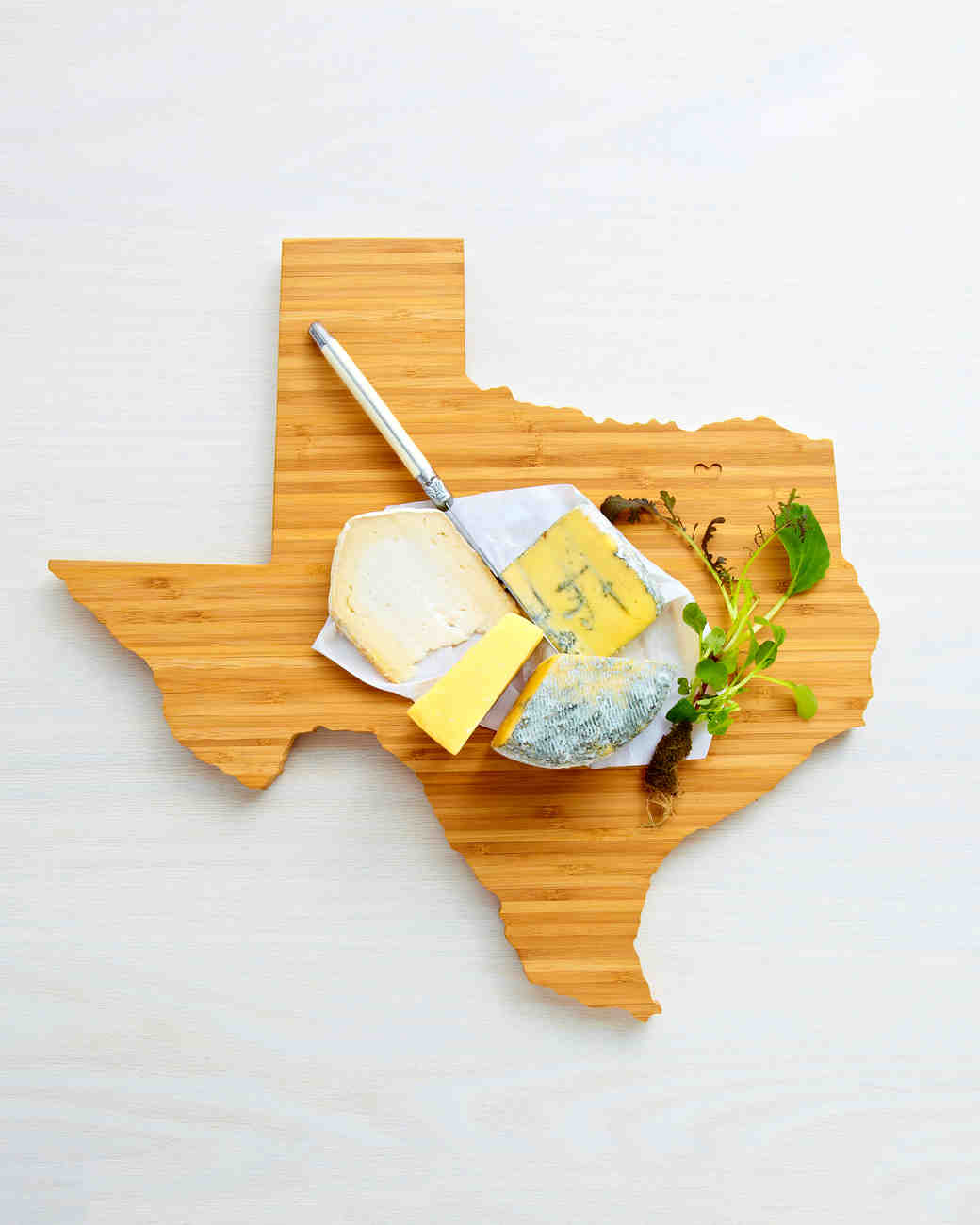mother-bride-groom-gift-aheirloom-cutting-board-0415.jpg