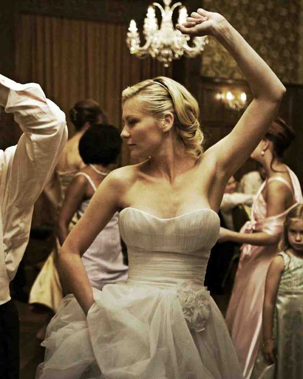 movie-wedding-dresses-melancholia-kirsten-dunst-0316.jpg