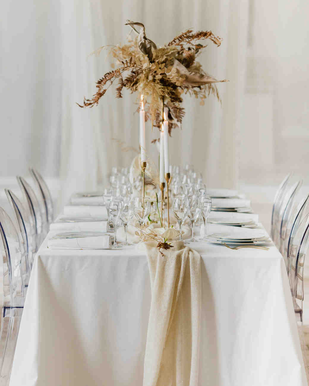 Gold Wedding Centerpiece Decorations: 23 Non-Floral Wedding Centerpiece Ideas