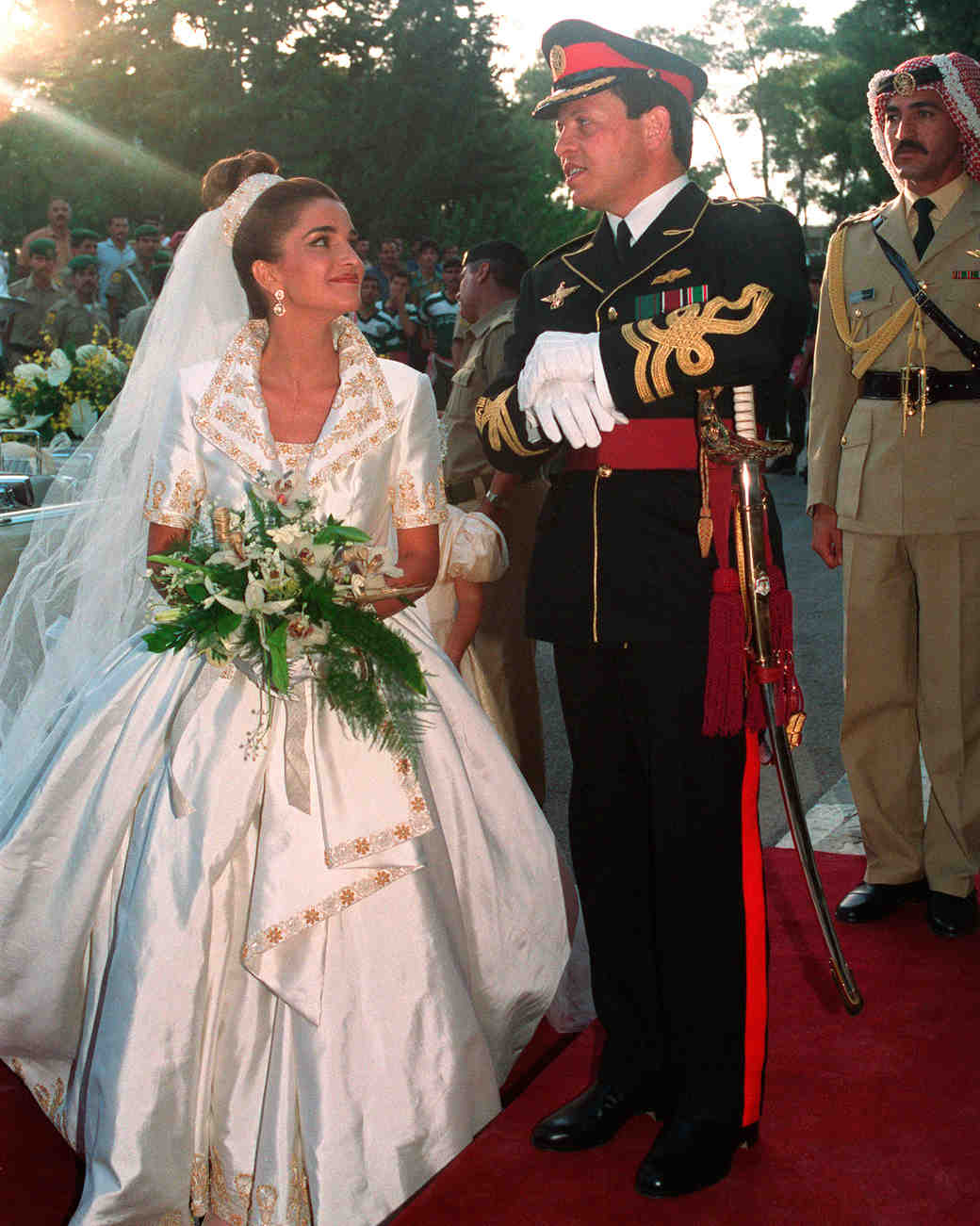 royal-wedding-dress-queen-rania-jordan-51400480-1115.jpg