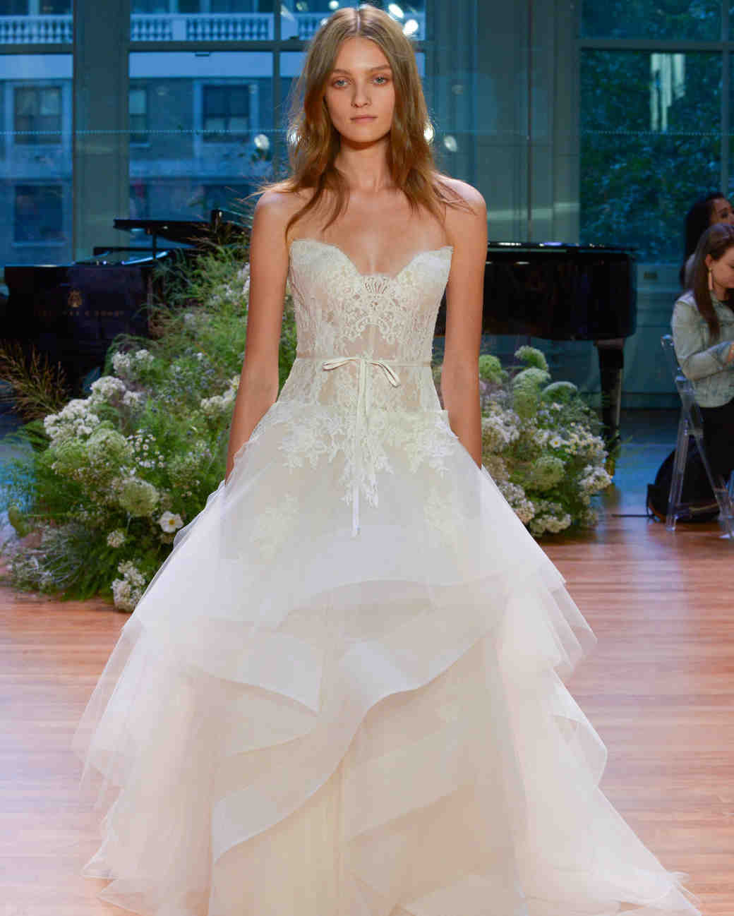 Vows Wedding Dresses 98 Stunning Monique Lhuillier Fall Wedding