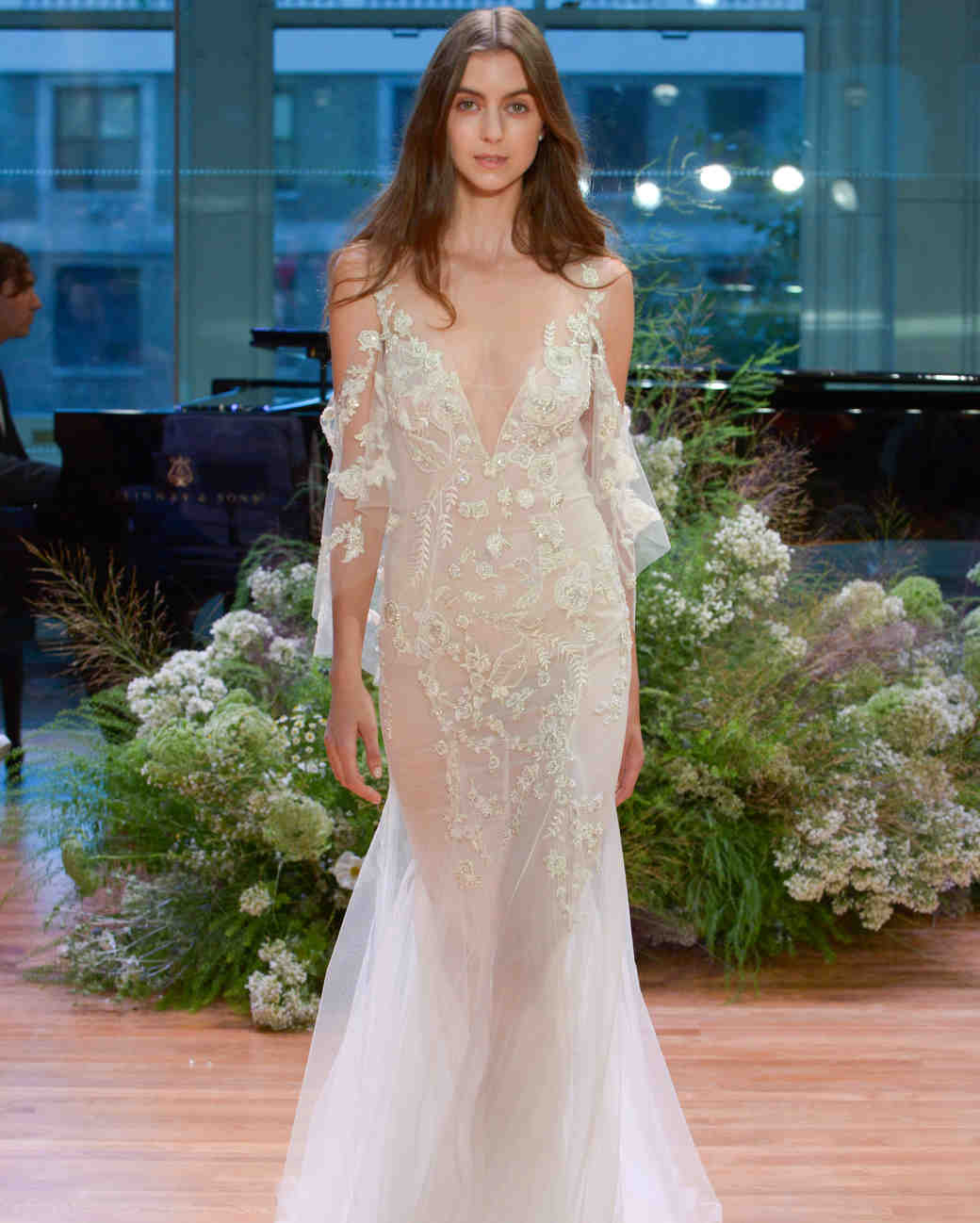 Wedding Dresses 2017: Monique Lhuillier Fall 2017 Wedding Dress Collection