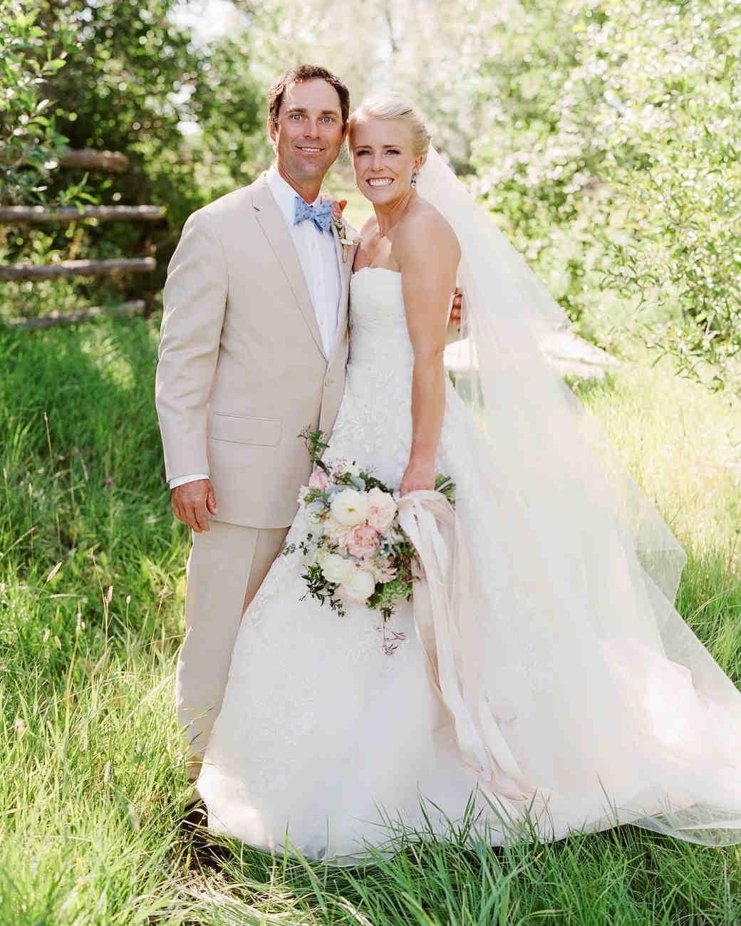 bessie john wedding couple with bouquet