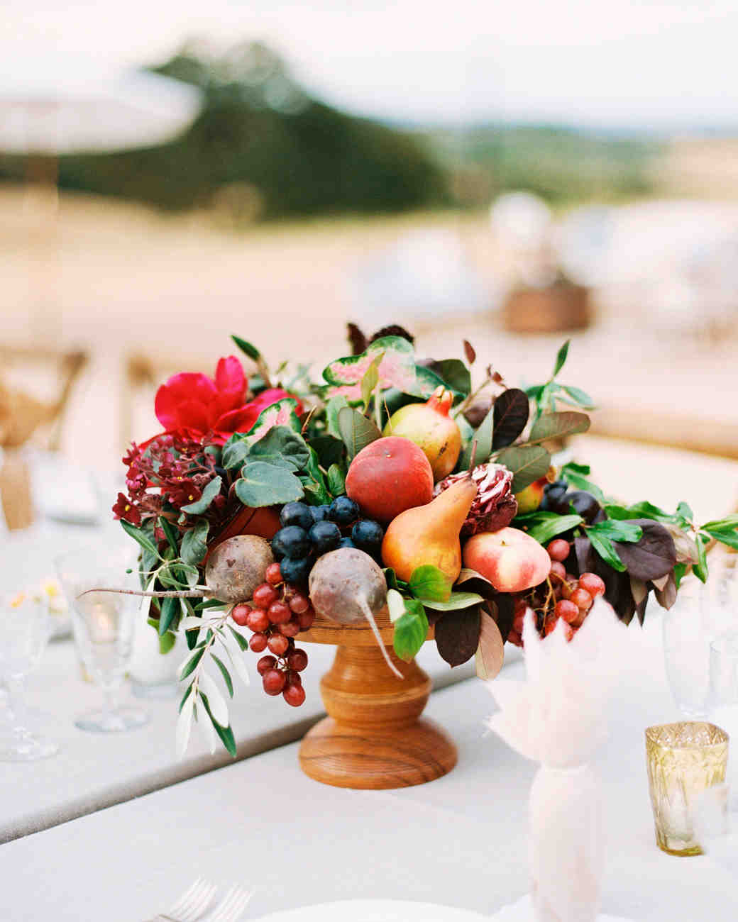 22 wedding centerpieces bursting with fruits and vegetables martha rh marthastewartweddings com centerpieces with fruits and vegetables centerpieces with fruit and flowers